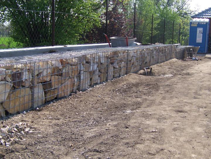 Családi házak építése, kertek kialakítása - Építőanyag Turkáló