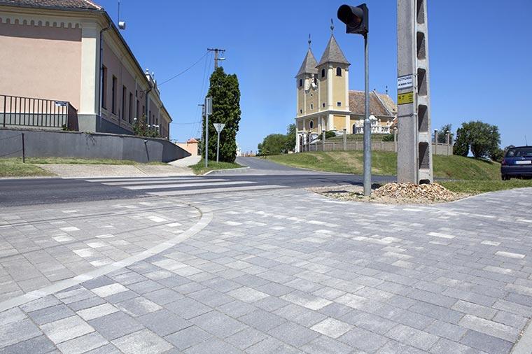 Leier Castrum natúr térkő
