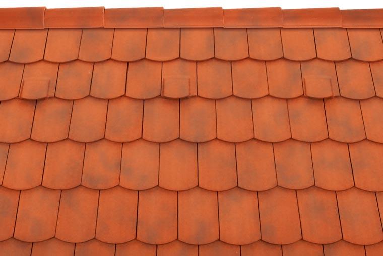 Tondach Pilis ívesvágású tetőcserép