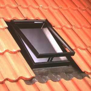 Velux VLT 025 tetőkibúvó ablak 45 x 55 cm