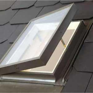 Velux VLT 029 tetőkibúvó ablak 45 x 73 cm